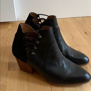 Aldo booties black 8 side button zipper